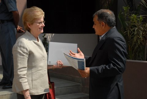 Bryn Mawr President Jane McAuliffe and Rajendra Jagdale, director, Science and Technology Park, University of Pune